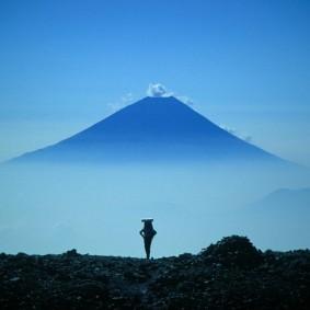 Mount_Fuji_from_Mount_Aino